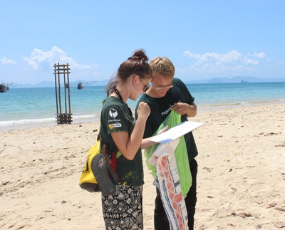 Volunteers on the Conservation project in Thailand help to clean up the beaches