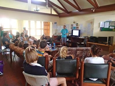 Ian Campbell talking to Projects Abroad volunteers in Fiji
