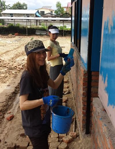 Projects Abroad volunteers at the Disaster Relief project in Nepal