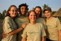 Conservation and Spanish volunteers in Mexico pose for a picture