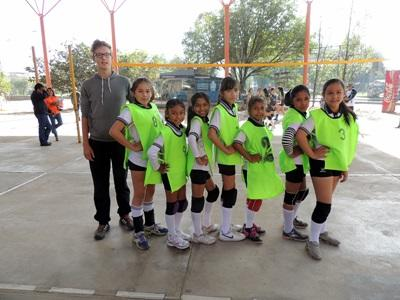 Volunteer volleyball coaching in Bolivia